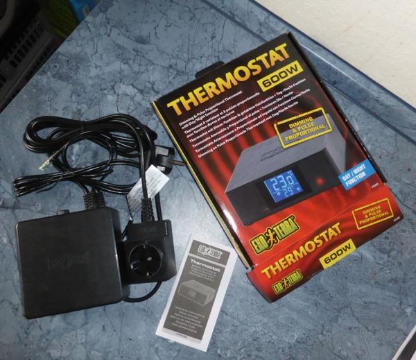 terratuga schildkr tenshop exoterra thermostat bis 600 watt mit tag nacht funktion. Black Bedroom Furniture Sets. Home Design Ideas